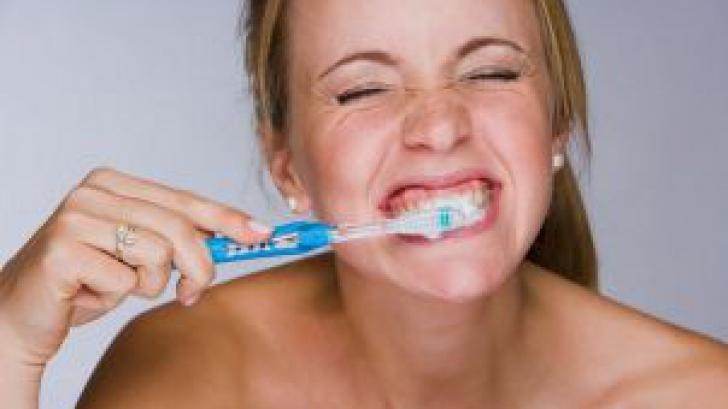 <p>Igiena dentară riguroasă poate preveni artrita</p>