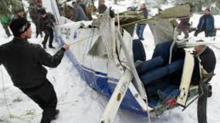 Edili şi localnici din Horea, audiaţi de procurorii militari în cazul accidentului aviatic