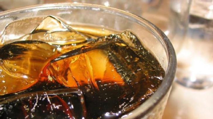 Fetița din SUA a murit din cauză că a băut prea mult suc