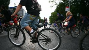 Franţa vrea să plătească angajaţii care merg la lucru pe bicicletă