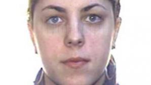 Tânăra a scăpat pentru că poliţiştii nu au avut bilete de avion