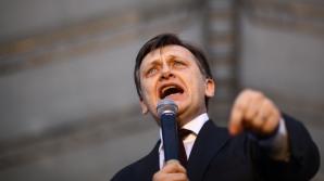 Cozmin Gușă : Ca să intre în turul doi al alegerilor prezindețiale, Antonescu depinde de Băsescu
