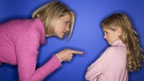 La ce risc sunt expuşi copiii care au părinţi foarte autoritari