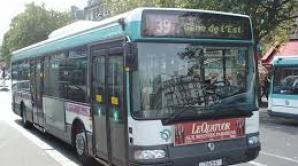 Un român de etnie romă a depus plângere împotriva RATP după ce i s-a refuzat accesul într-un autobuz