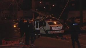 Maşina Poliţiei avariată în urma furtunii puternice