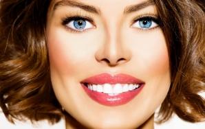 SĂNĂTATE. 5 alimente suprinzătoare care îţi albesc dinţii