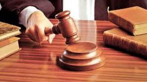 Judecătoria Ineu, cu doi magistraţi arestaţi din patru, nu găseşte personal