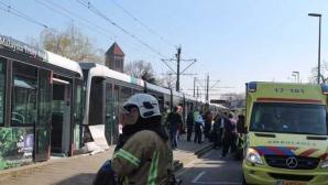 Trei tramvaie s-au ciocnit la Rotterdam