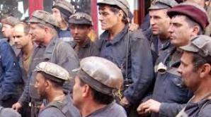 Cei 21 de lideri ai minerilor din Valea Jiului continuă greva foamei