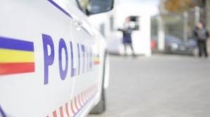 Trei POLIŢIŞTI răniţi, după ce maşina în care se aflau a ajuns pe contrasens