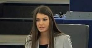 Cum arată Elena Băsescu la şapte luni după ce a născut