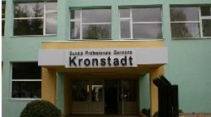 Primii absolvenţi ai Şcolii Kronstadt au locuri de muncă asigurate
