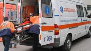 Arad: Tânărul târât de o maşină şi abandonat în stare critică pe un drum a murit la spital