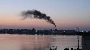 Ecologiştii denunţă pericolul reprezentat de un rezervor de noroi roşu în Ungaria
