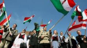 Sute de maghiari din Covasna au plecat spre Târgu Mureş