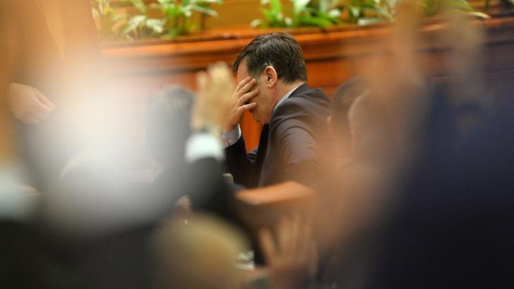 Antonescu: Dacă PNL nu va lua 20% la europarlamentare, îmi dau demisia! / Foto: MEDIAFAX
