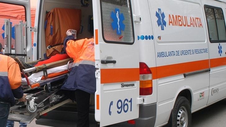 Un bărbat şi-a dat foc în faţa Poliţiei Locale din Piteşti, fiind dus la spital cu arsuri grave