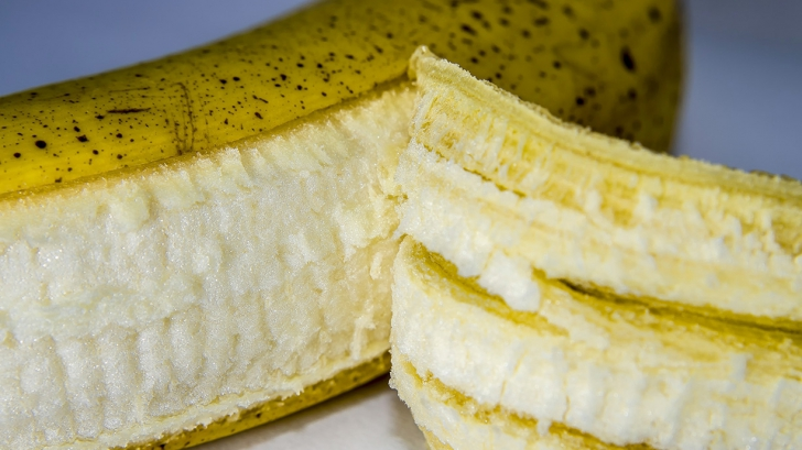 13 lucruri surprinzătoare pe care le poți face cu cojile de banană