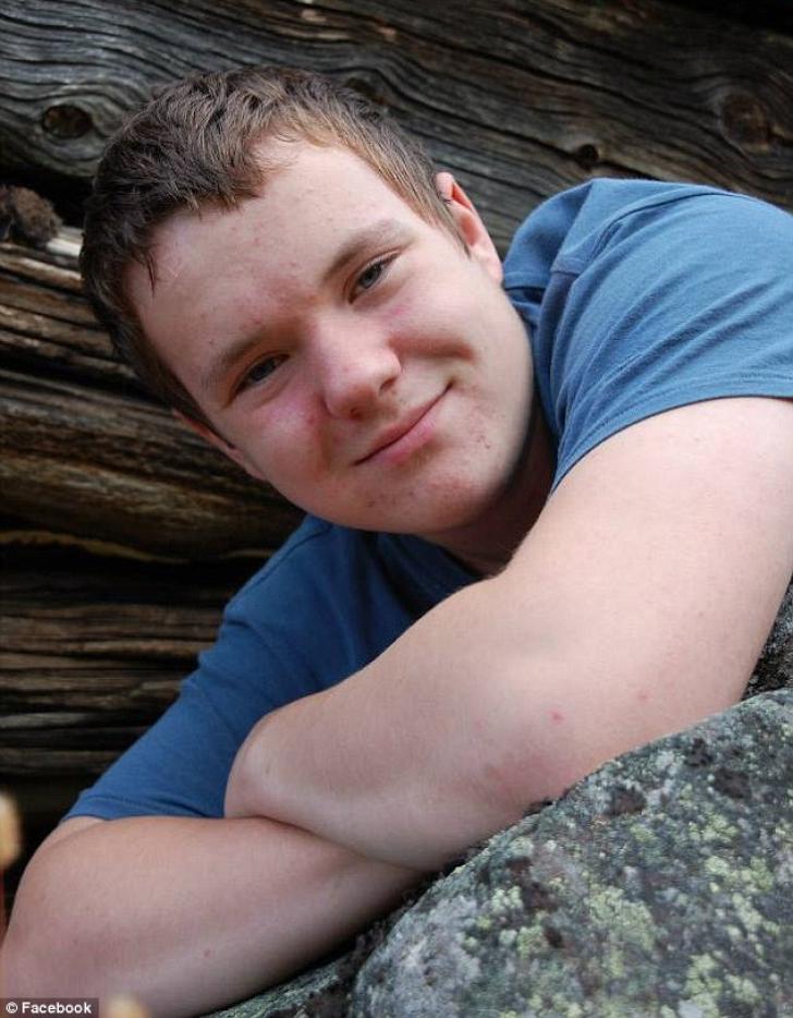 ŞOCANT. Un adolescent a intrat în comă după ce a băut 4 litri de sucuri energizante în 16 ore