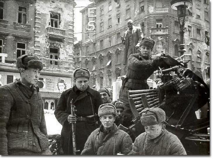 DOSAR HISTORIA. Cum se comportau soldaţii sovietici cu popoarele eliberate
