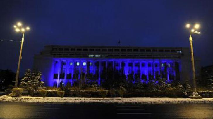 Palatul Victoria va fi luminat, astăzi, în MOV. MOTIVUL? / Foto: AGERPRES