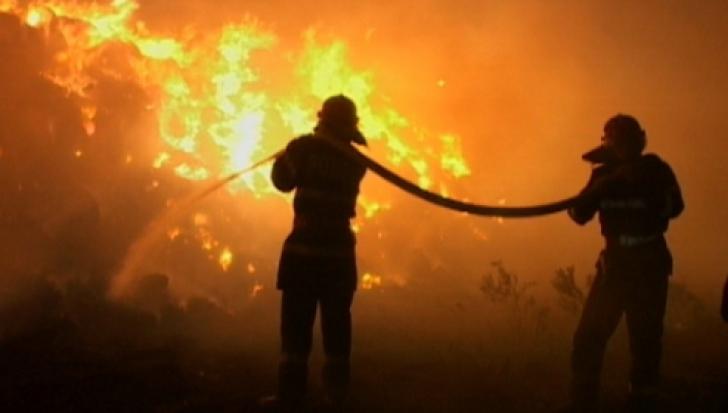 Incendiu puternic în Alba