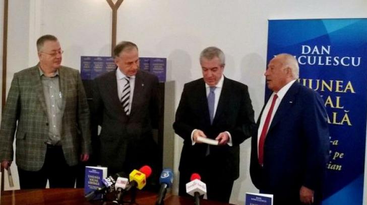 Mircea Geoană şi Călin Popescu Tăriceanu, prezenţi la lansarea cărţii lui Dan Voiculescu