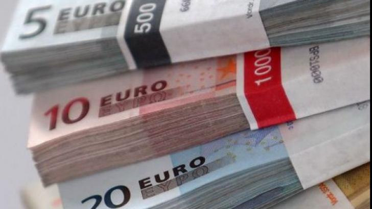 PONTA NEGOCIAZĂ CU FMI FĂRĂ BĂSESCU: GUVERNUL ŞI BNR merg la Bruxelles