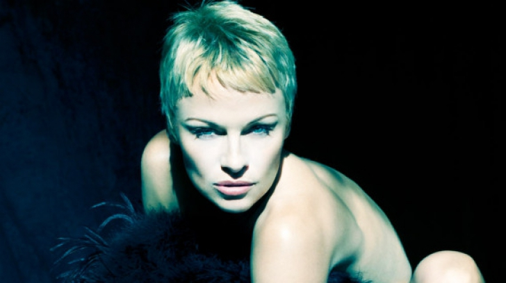 Pamela Anderson a pozat goală, la vârsta de 46 de ani