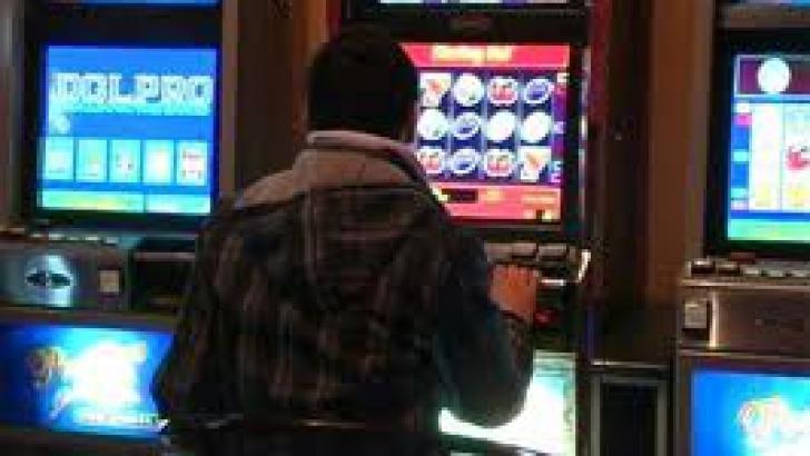 Firmele care organizează jocuri electronice de noroc au raportat, în 2012, cifre de afaceri însumate de peste 200 de milioane de lei.
