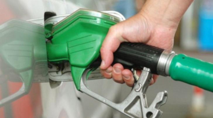 Guvernul va înapoia transportatorilor 4 cenţi din acciza la carburanţi