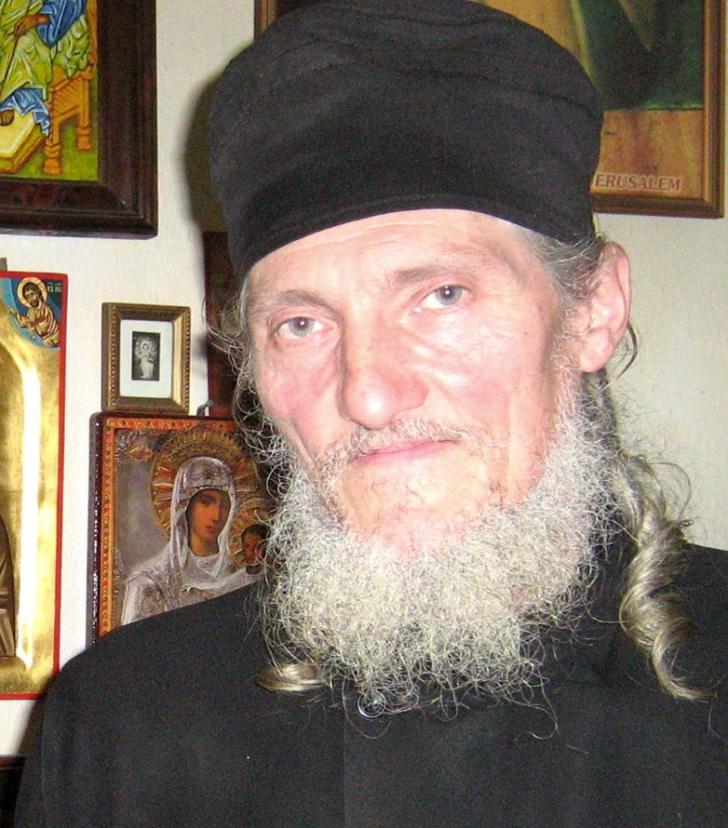 Transformare spectaculoasă! Celebrul actor Dragoş Pâslaru s-a călugărit