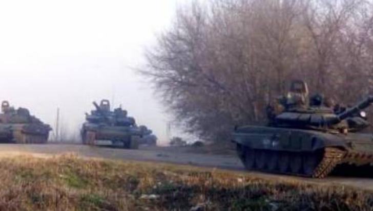Tancuri ale armatei ruse au fost masate la granița cu Ucraina