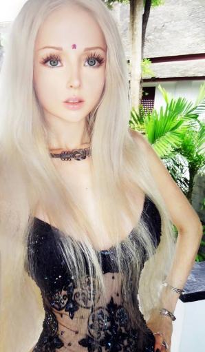 VALERIA LUKYANOVA, când nu este Fata Barbie