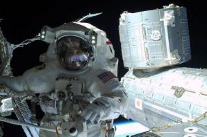 Rick Mastracchio a realizat prima fotografie SELFIE pe orbită