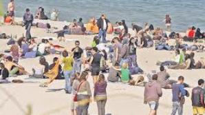 Peste 50.000 de români, aşteptaţi la mare de 1 Mai.