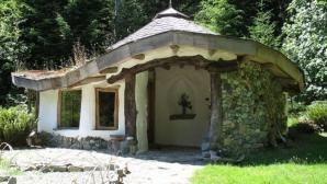 Uite cum arată căsuțele din povești dintr-un sat din Romania