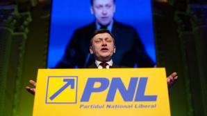 Antonescu: Vacanţa parlamentară pentru campanie nu are niciun fel de justificare şi precedent / Foto: MEDIAFAX