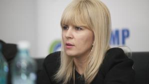 Udrea: Pe Ponta îl ajută soţia să plătească scumpirile din zecile de mii de Euro câştigate de la PE