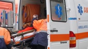 Femeie din Bucureşti, RĂNITĂ GRAV de tencuiala căzută de la un balcon