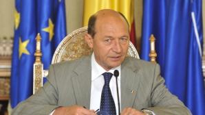 Băsescu:Voi avea discuţii cu FMI după ce revin în ţară privind politica fiscal-bugetară a Guvernului