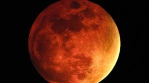 """Fenomenul de Lună """"însângerată"""", vizibil noaptea trecută din Lumea Nouă"""