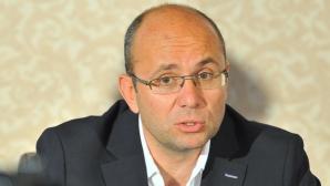 Cozmin Gușă: Ponta s-a mutat la MAPN pentru a prelua din imaginea pozitivă a Armatei