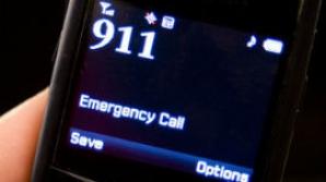 I-a salvat viaţa tatălui său în prima zi de muncă ca operator 911