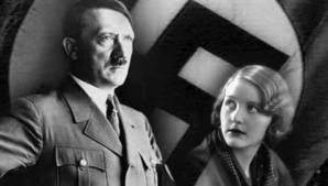 Adolf Hitler şi soţia sa, Eva Braun