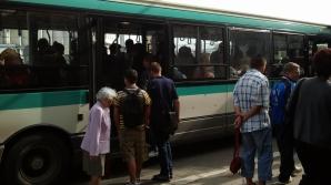 O mămică și un copil de un an au fost răniți într-un autobuz RATUC
