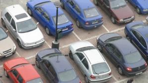 Peste 200.000 de maşini din parcările din Bucureşti sunt nefolosite de mulţi ani