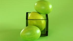 OUĂ ELECTORALE la Bistriţa: UDMR a împărţit ouă verzi, cu însemnele formaţiunii