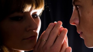 Împăcarea cu fostul: cum să îl recâștigi fără să-ți calci pe orgoliu