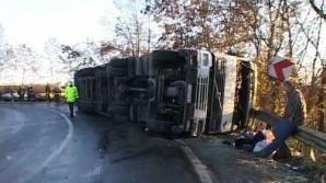 Trafic restricţionat pe DN 6, după un accident în care au fost implicate două TIR-uri